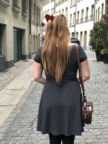 Ella von hinten