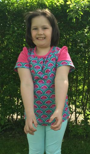 melontropic shirt tragend
