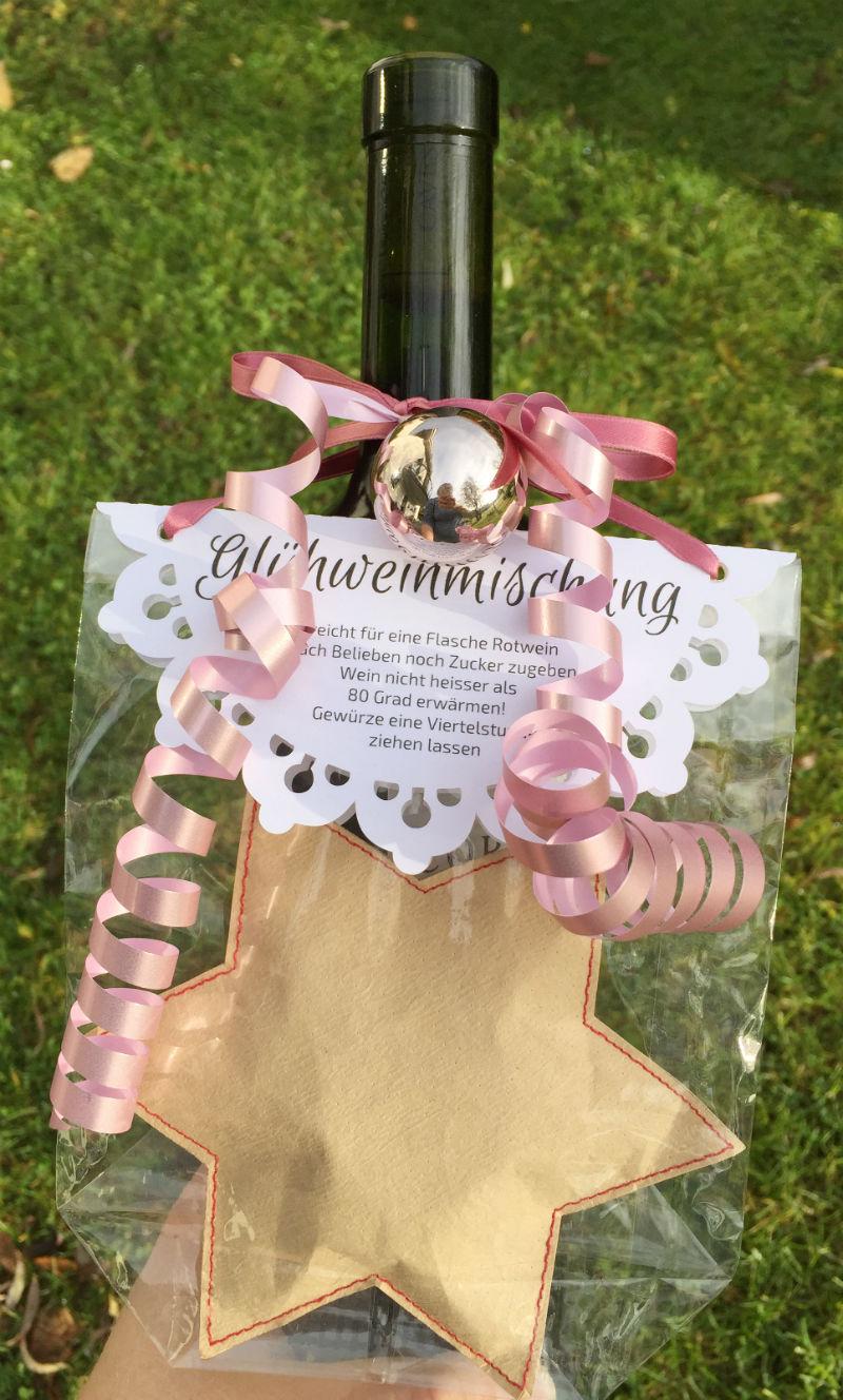 gluehwein-stern-weinflasche-verschenken